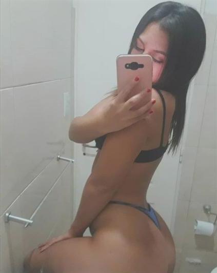 Mutmainna, 32 años, puta en Almería fotos reales
