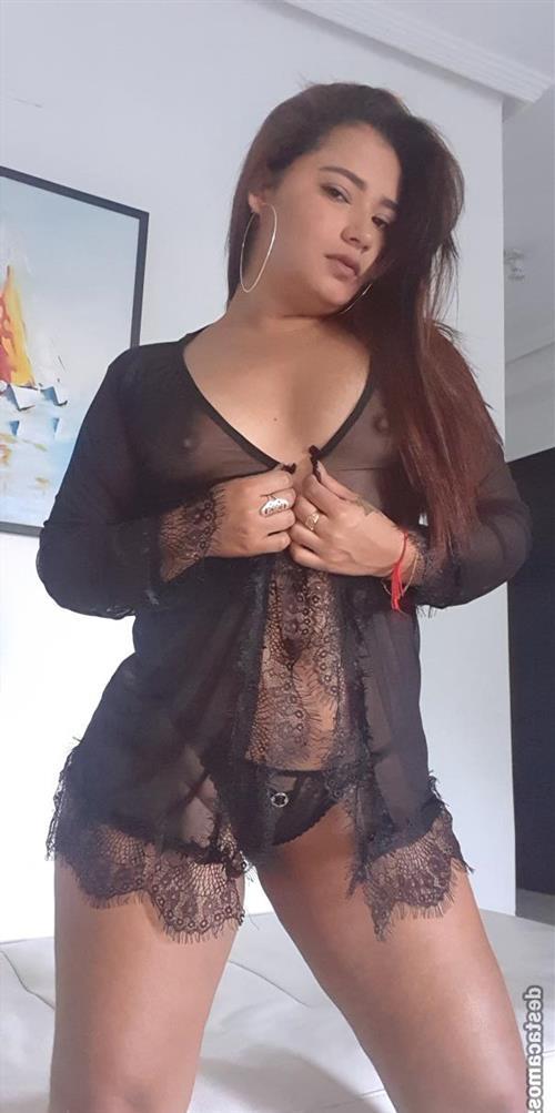 Ghonwa, 23 años, puta en Huesca fotos reales