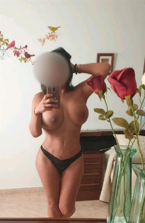 Meloujane, 23 años, puta en Vitoria-Álava fotos reales