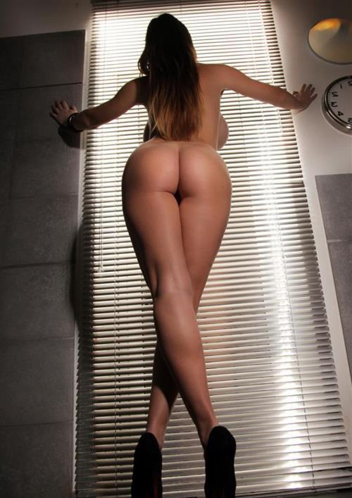 Nathaia, 30 años, puta en Las Palmas fotos reales