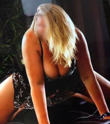 Domeniq, 26 años, puta en Asturias fotos reales