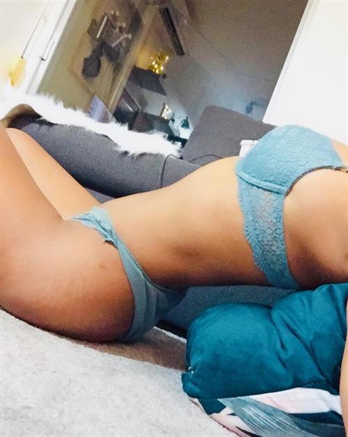 Nillan, 28 años, puta en Castellón fotos reales