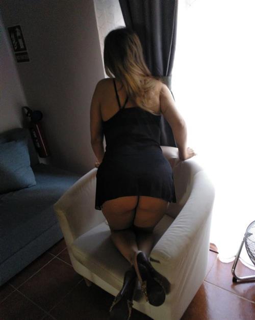 Ellmedina, 29 años, escort en Valencia fotos reales