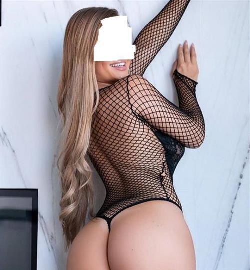 Naverone, 22 años, puta en Murcia fotos reales
