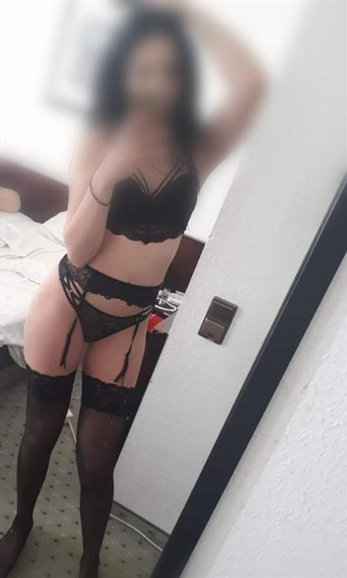 Zanwa, 21 años, escort en Valladolid fotos reales