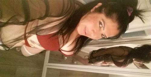 Nourafrouz, 19 años, escort en Navarra fotos reales