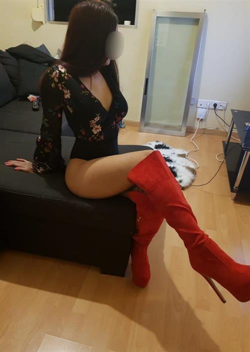 Maevatranssexuelle, 21 años, escort en Coruña fotos reales