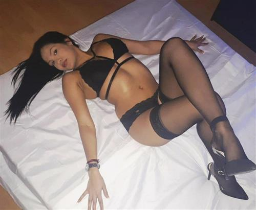 Rayne, 29 años, puta en Cáceres fotos reales