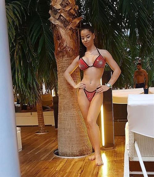 Svane, 28 años, puta en La Rioja fotos reales