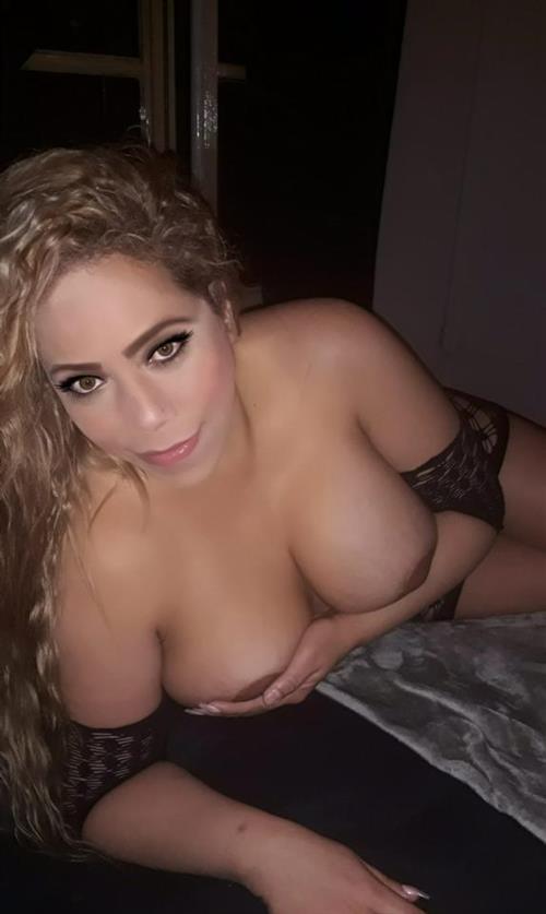 Nidhish, 32 años, puta en Huelva fotos reales