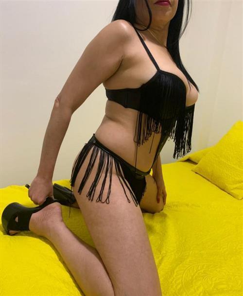 Hsia, 21 años, puta en Tarragona fotos reales