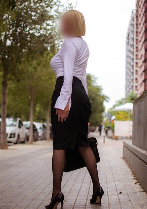 Marrlene, 28 años, escort en Ceuta fotos reales