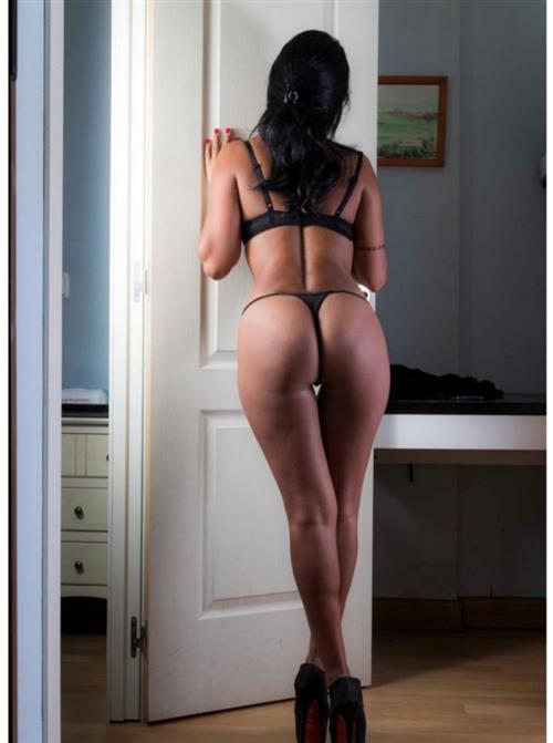 Sarahlacoquine, 27 años, escort en Granada fotos reales