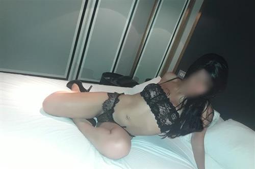 Nualjai, 32 años, puta en Segovia fotos reales