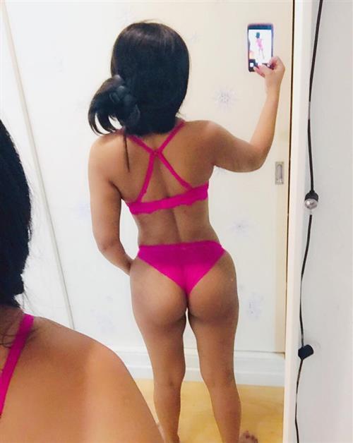 Albuna, 29 años, puta en Valencia fotos reales