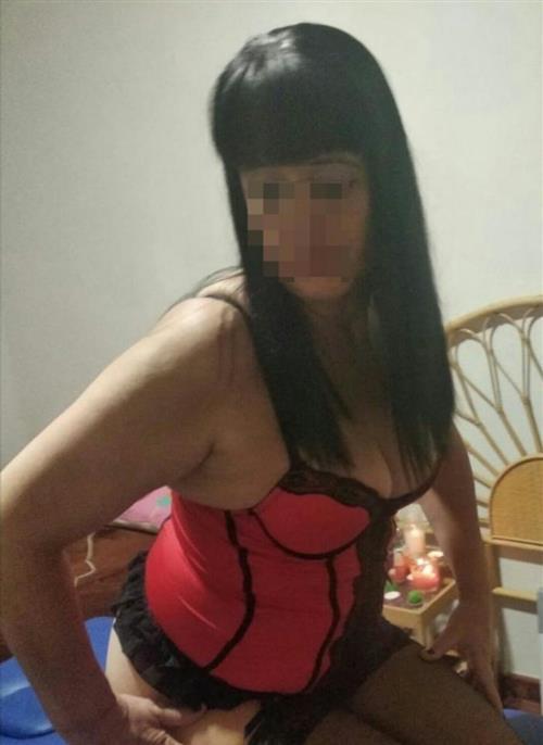 Zewde, 30 años, puta en Melilla fotos reales