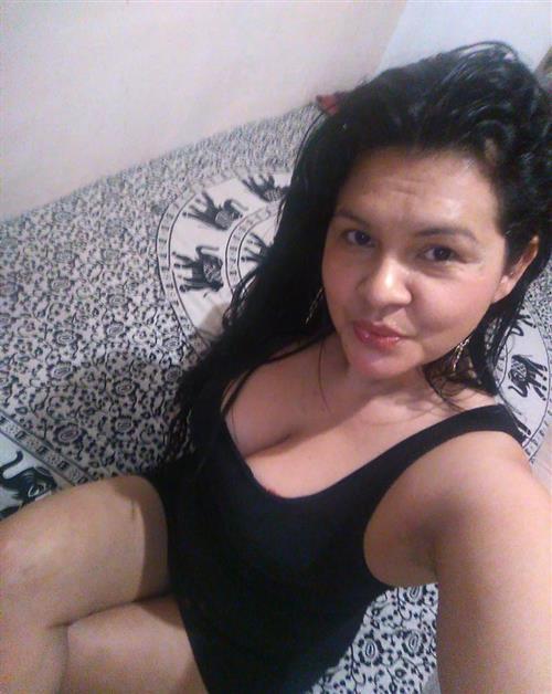 Diengsa, 32 años, puta en Ourense fotos reales
