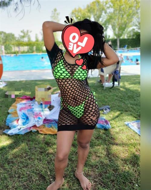Chu Fang, 25 años, escort en Segovia fotos reales