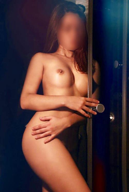 Linn Qi, 24 años, puta en Segovia fotos reales