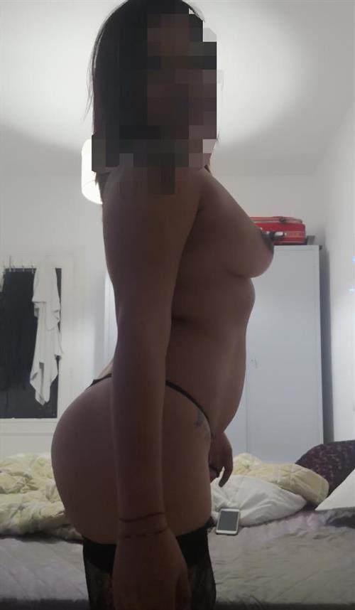 Frohlinde, 28 años, puta en Almería fotos reales