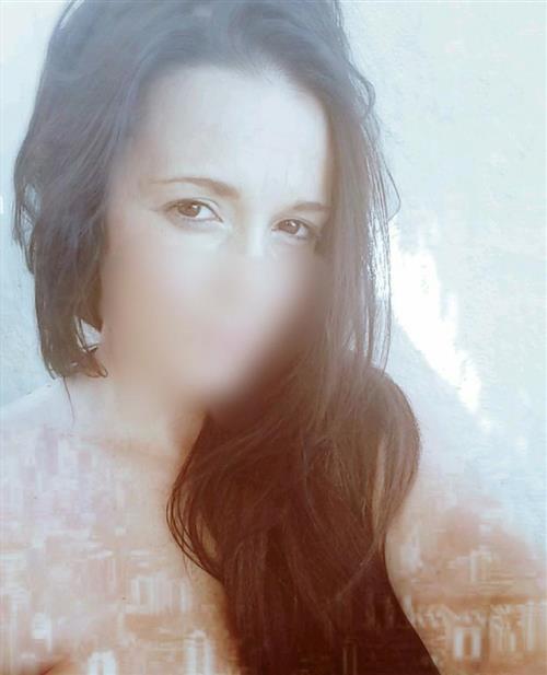 Louliana, 20 años, puta en Huesca fotos reales
