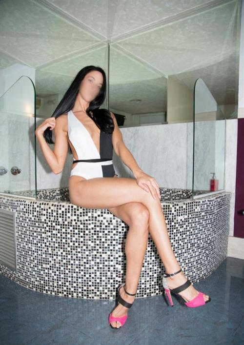 Beorina, 24 años, puta en Málaga fotos reales