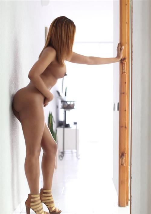 Karina Alejandra, 32 años, puta en Almería fotos reales
