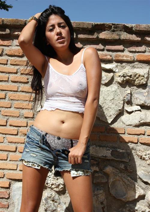 Shahizan, 21 años, escort en Ceuta fotos reales