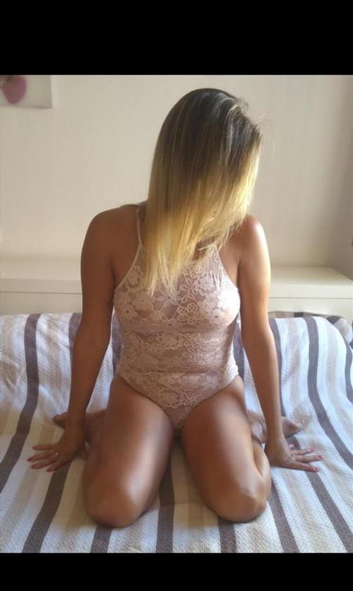 Emma Christina, 19 años, puta en Coruña fotos reales